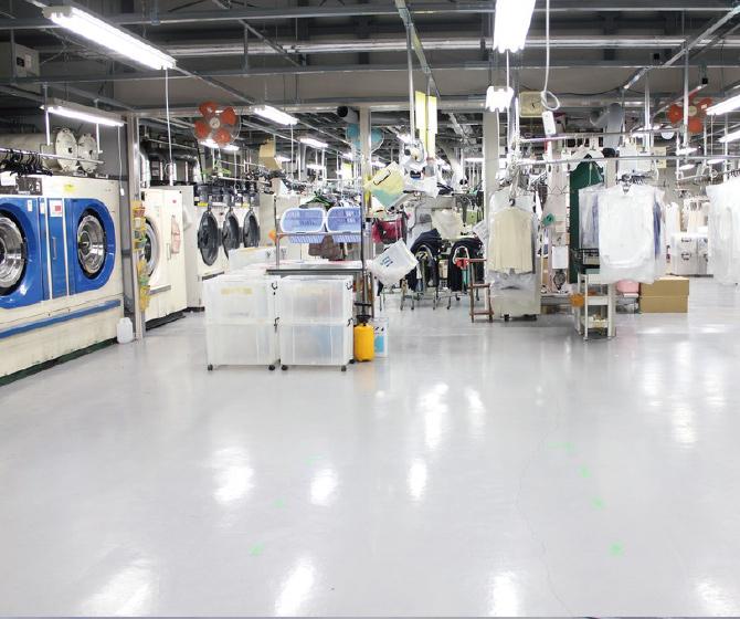 クリーニング新工場内写真
